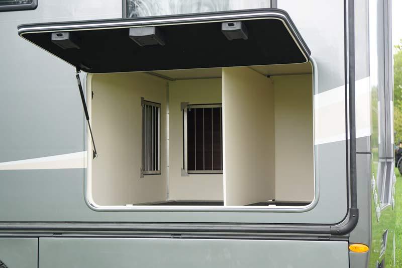 Hundegarage des PROTEC Q18 Wohnmobils